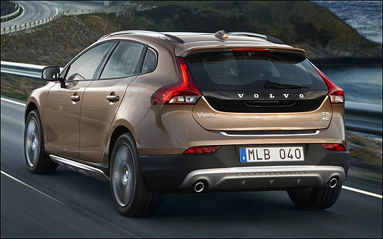 Volvo to launch V40 Cross Country in India