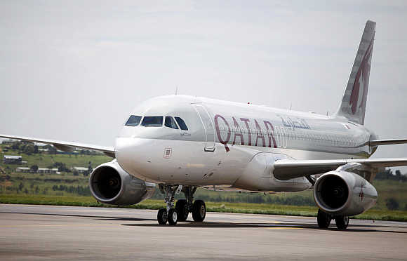 A Qatar Airways Airbus A320.