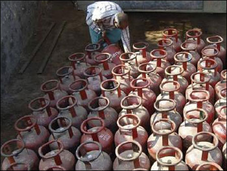 LPG consumers need not panic: IOC, BPCL