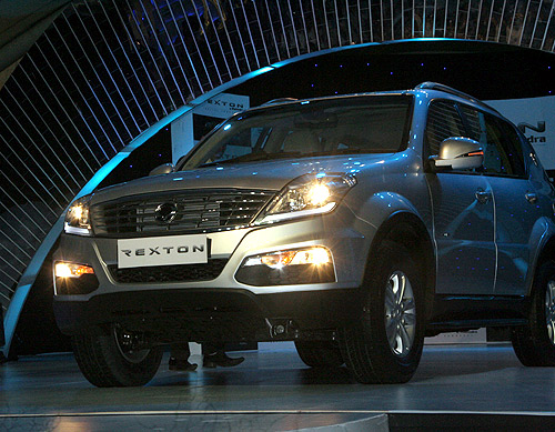Mahindra Rexton.