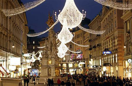 Christmas lights illuminate Vienna's city centre Am Graben