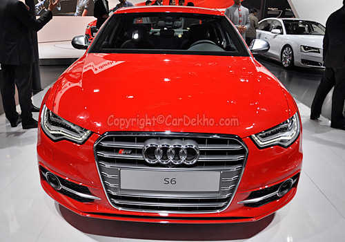 A view of Audi S6.