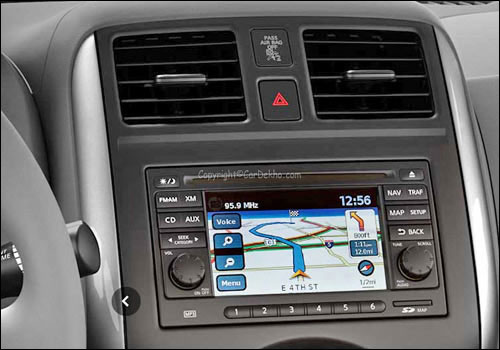 Nissan Sunny front AC controls.