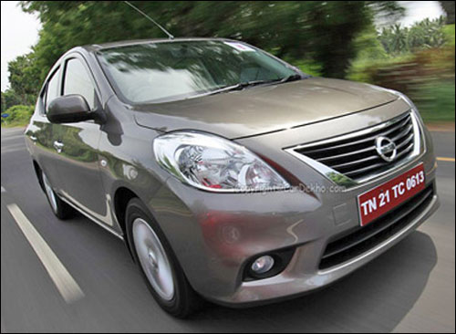Which car is better: Renault Scala or Nissan Sunny?