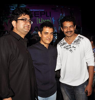 Prasoon Joshi with Aamir Khan and Atul Kulkarni
