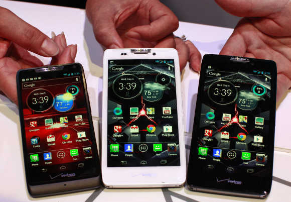 Motorola droid phones Droid Razor M, Droid Razor HD and the Droid Razor Maxx HD in New York.