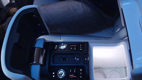 The open rear centre console.