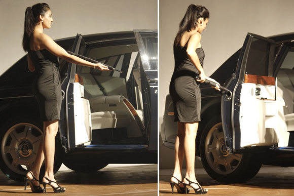 A model displace the Umbrella storage feature of the rolls royce phantom.