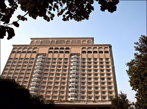The iconic Taj Mansingh likely to be auctioned