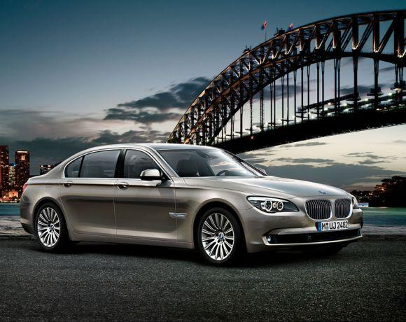 BMW to launch new version of its flagship 7 Series in April