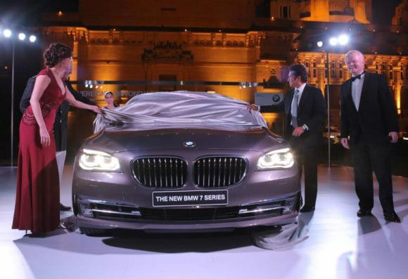 From (L to R) Bollywood actress Dia Mirza, Maharaja Gaj Singh II, Sachin Tendulkar and Philipp von Sahr, President, BMW Group India at the exclusive preview of the new BMW 7 Series.