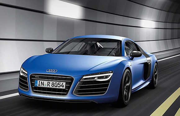 Stunning Audi R V Plus Hits The Indian Roads Rediffcom Business - Audi car r8 price in india