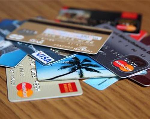 Credit cards: Cash back vs. reward points
