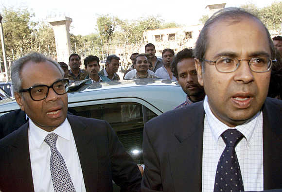 Srichand Hinduja, left, with Gopichand, right, in New Delhi.