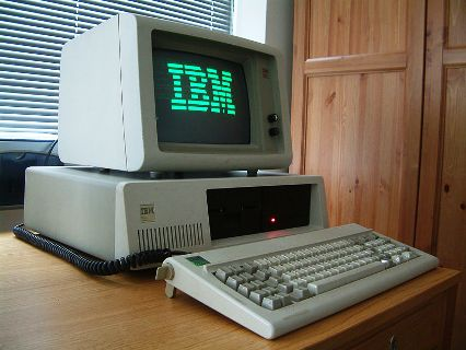 IBM PC XT with green monochrome phosphor screen and 10MB full height 5,25