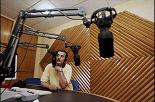 Why e-auction of radio stations may hamper the industry