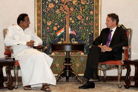Finance Minister P Chidambaram, left, speaking with US Treasury Secretary Timothy Geithner.