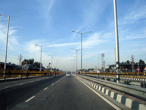 A view of Jaipur to Ajmer Road in Rajasthan (India).