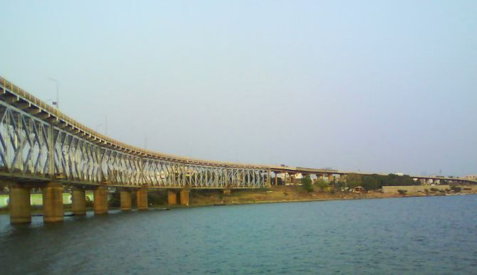 hanging bridge of india