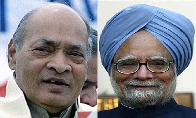 P V Narasimha Rao (L) and Manmohan Singh (R).
