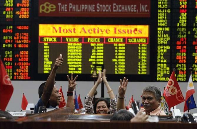 Traders at the Philippines stock market.