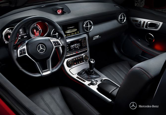 Mercedes launches SLK 55 AMG priced at Rs 1.26 crore