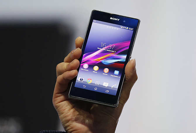 ony's President and CEO Kazuo Hirai presents Sony Xperia Z1 smartphone in Berlin, Germany.