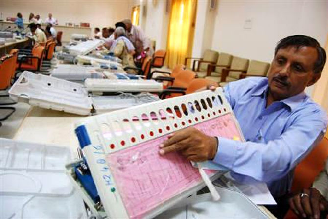 Cyber expert alleges 2014 polls were rigged; EC rejects claim
