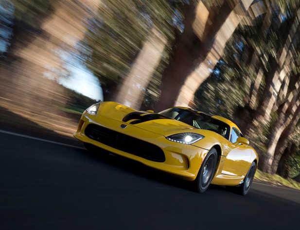 SRT Viper GTS.