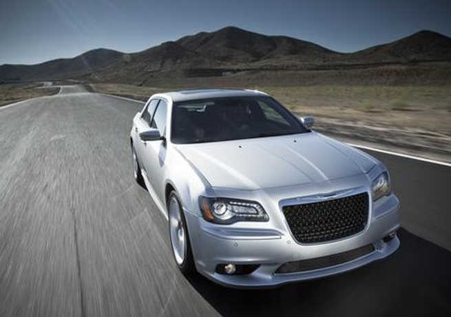 Chrysler 300 SRT8.