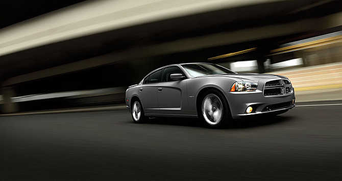 Dodge Charger SRT8 Super Bee.