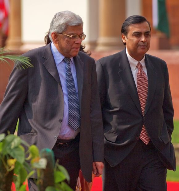 Mukesh Ambani and Deepak Parekh (L).