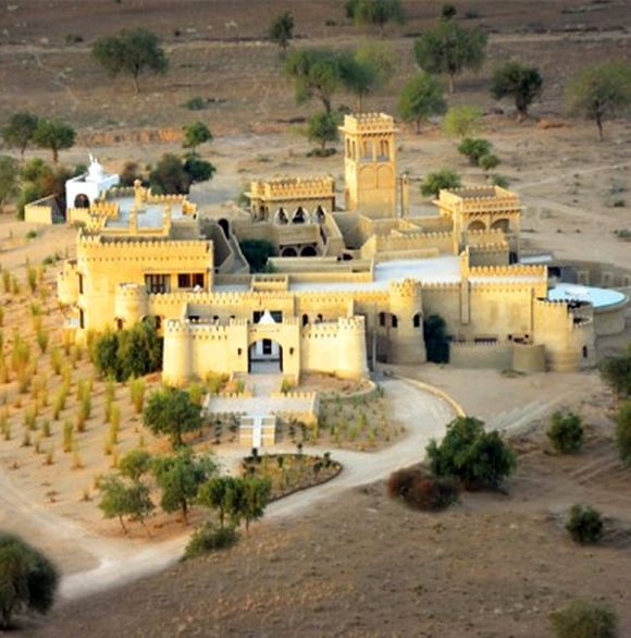 Mihir Garh stands out in the midst of the desert vistas.