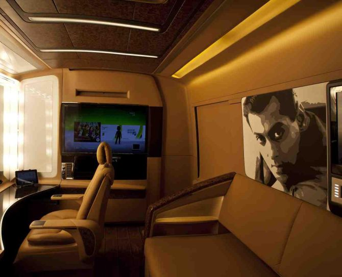 Shahrukh's, Salman's, Hrithik's homes on wheels