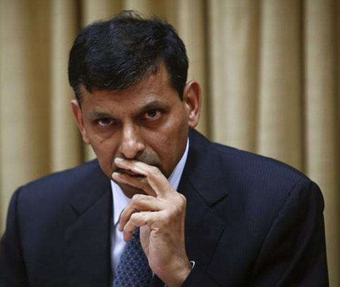 Rajan says inflation limiting RBI's ability to boost growth.