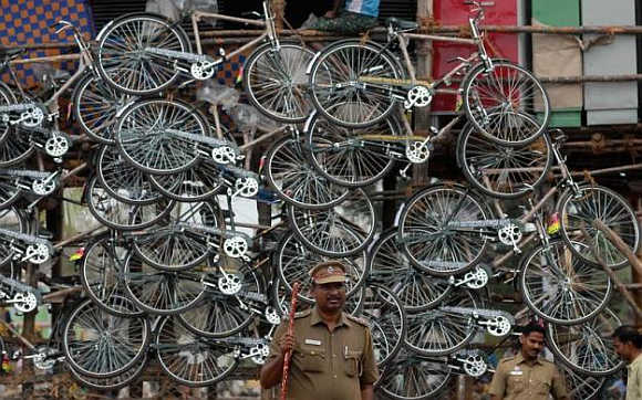 Stunning IMAGES show how humble cycle pedals economy