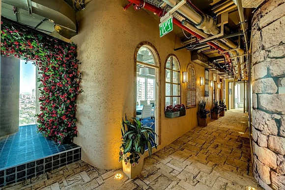Amazing IMAGES of Google's new office in Israel