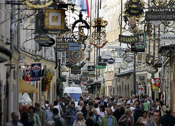 A view of Getreidegasse in the old city of Salzburg, Austria.