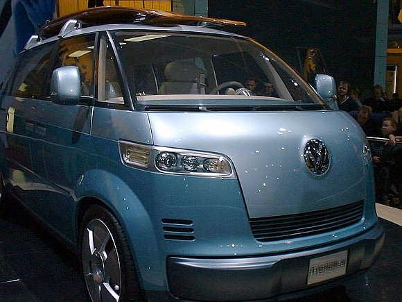 2001 Volkswagen Microbus.