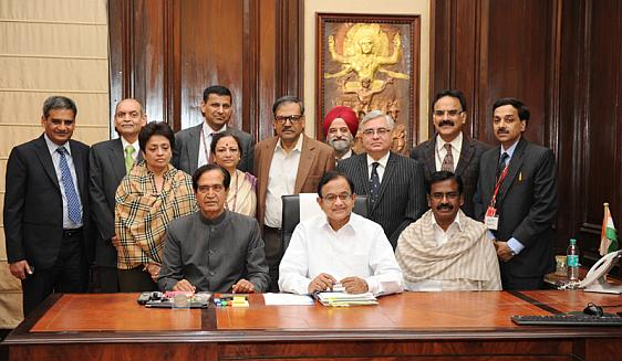 Union Finance Minister, P Chidambaram with Ministers of State for Finance, Namo Narain Meena and S.S. Palanimanickam and the Budget team.