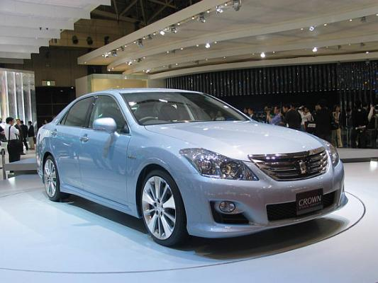 Toyota Crown Hybrid.