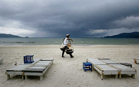 A food vendor on Patong Beach in Phuket.