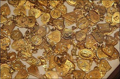 Gold may become costlier by Rs 700 per 10 gm
