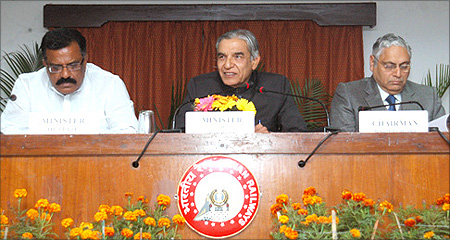 Union Minister for Railways, Pawan Kumar Bansal addressing a Press Conference.