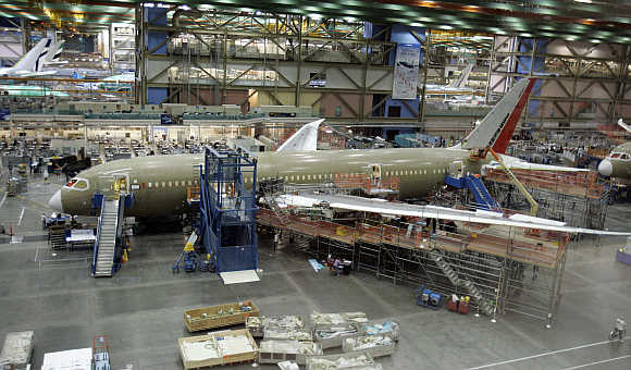 Boeing receives federal approval for battery test