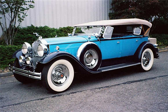 1930 Packard Custom Eight went for $225,500.