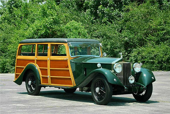 1930 Rolls-Royce Phantom II went for $110,000.