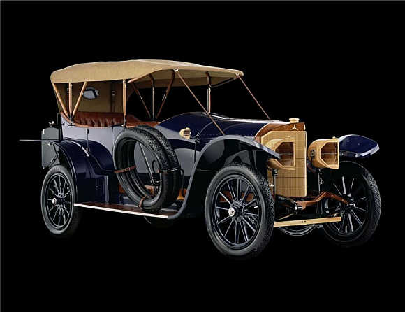 1914 Mercedes Open Front Town Car went for $962,000.