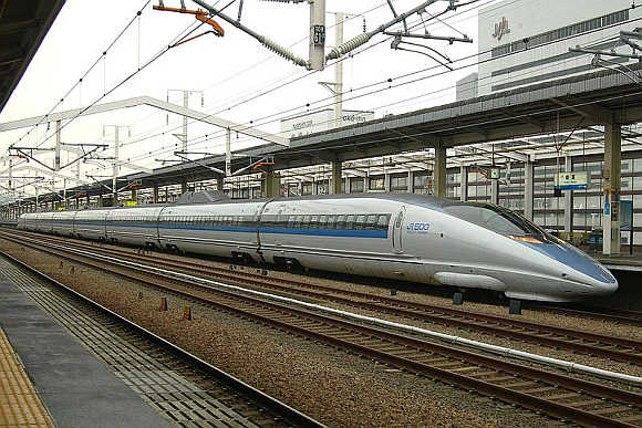 a look at 27 high speed trains in the world   rediff