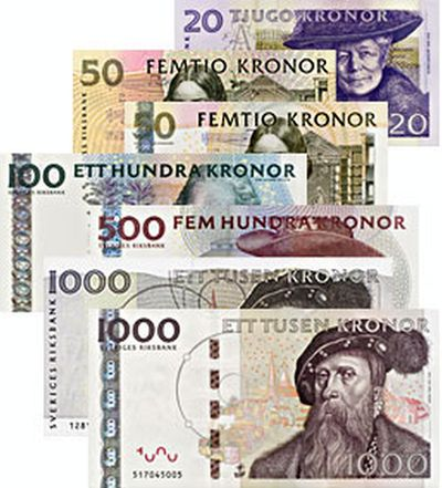 Kronas in different denomination can be seen. The one in the front is 1,000 kronas banknote that features Gustav I.